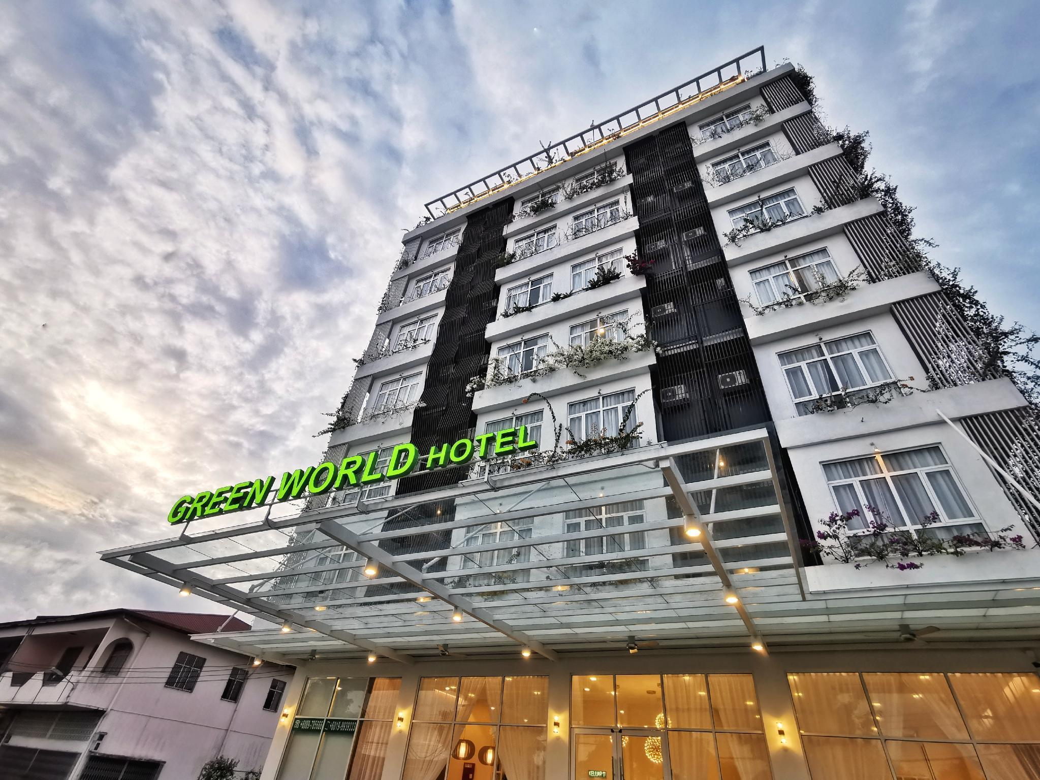 Green World Hotel