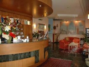 關於阿里斯頓飯店 (Hotel Ariston)