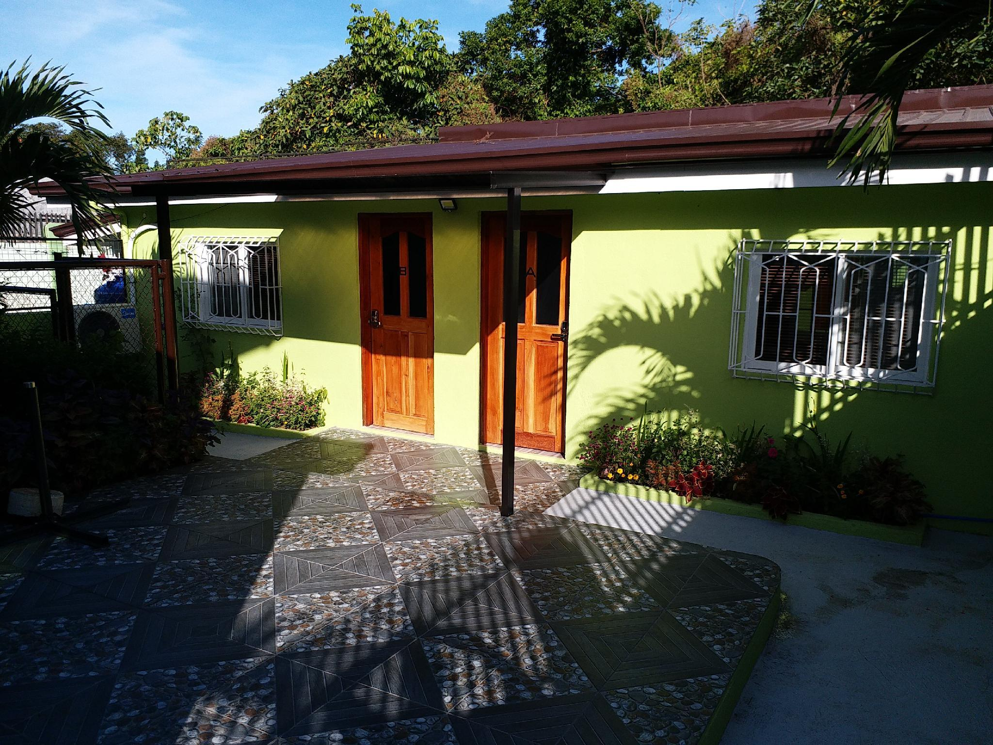 Beverly's Bungalow A
