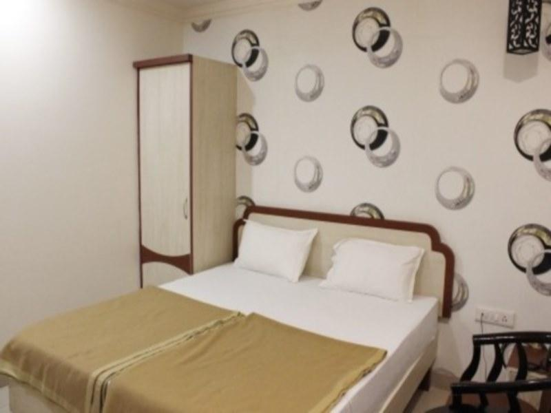 Review Hotel Rajlaxmi