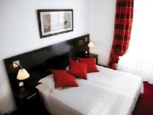 โรงแรมเอลลิงตัน (Hotel Ellington)
