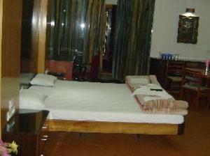Hotel Naveen Residency
