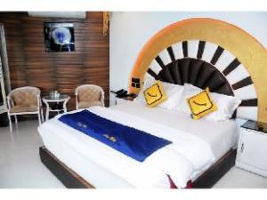 Vista Rooms at Devka Beach Road