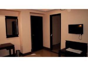 Vista Rooms @ Shiv Shakti Mall