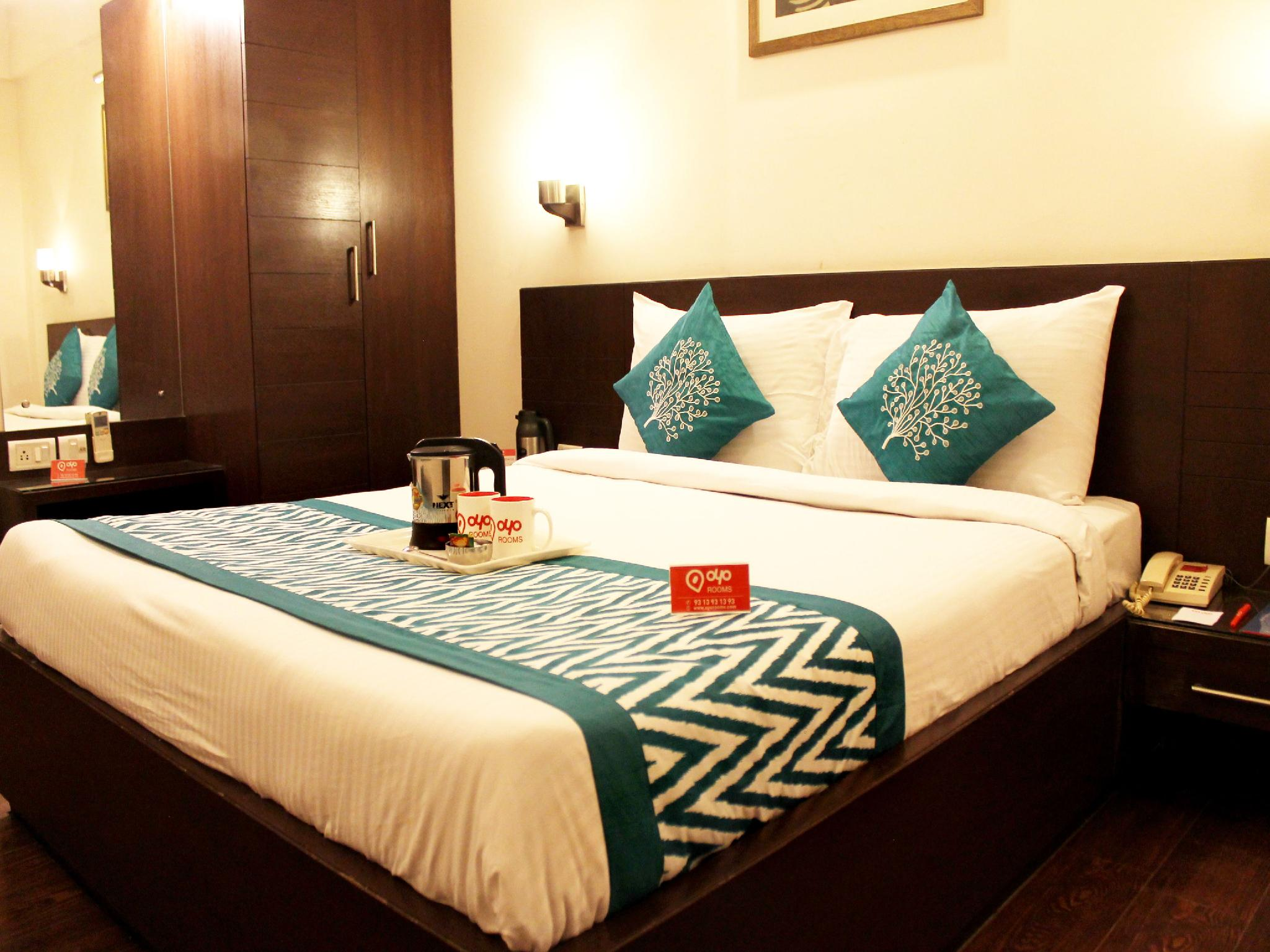 About Oyo Rooms Taj East Gate Road
