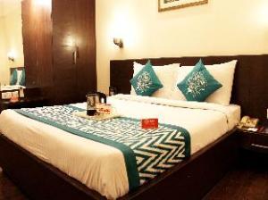 Oyo Rooms Taj East Gate Road