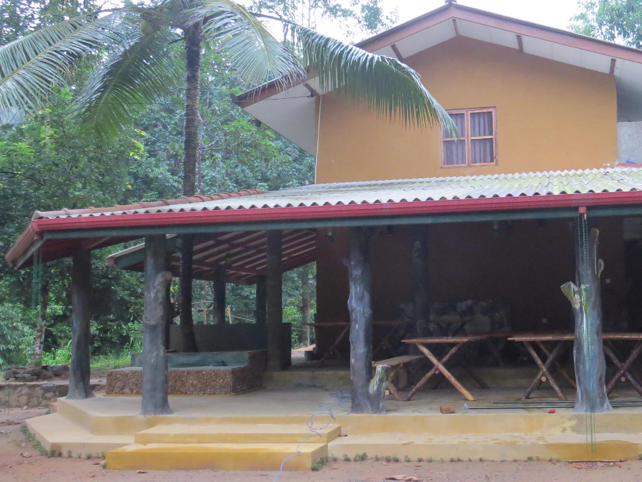 Sinharaja Birders Lodge