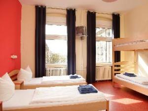อคามา โฮเต็ล + โฮสเต็ล สโชนเบิร์ก (acama Hotel + Hostel Schöneberg)