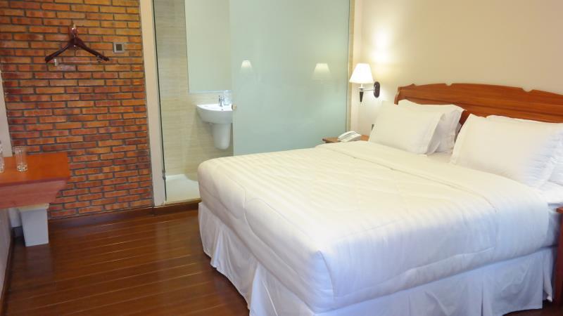 Thongs Inn Transit Hotel KNO Kualanamu