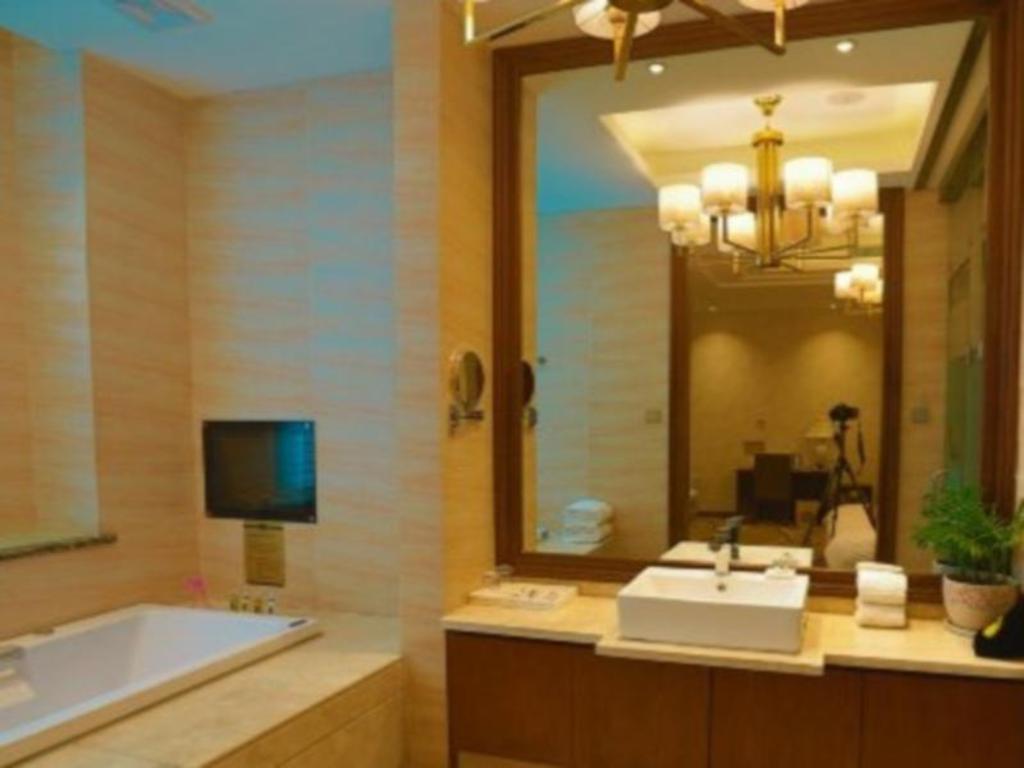 7 Days Inn Luoyang Zhongzhou Zhong Road Nine Dragon Ding Luoyang Ling Hang International Hotel Hotels Book Now