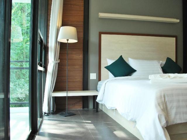โรงแรมบลูมูน ชะอำ – Bluemoon Cha-Am Hotel