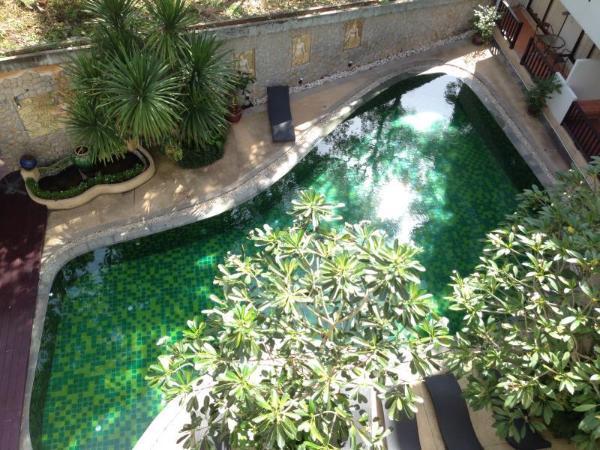 Surin Gate Apartment Phuket