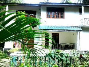 Kandy City Elephant Hostel
