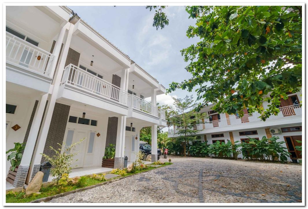 RedDoorz Premium @ The Heritage Bukit Lawang