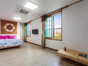 關於濟州瓦遊民宿 (Jejuwayo Pension)