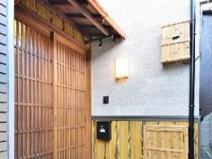 Comfortable House near Fushimi Inari Shrine