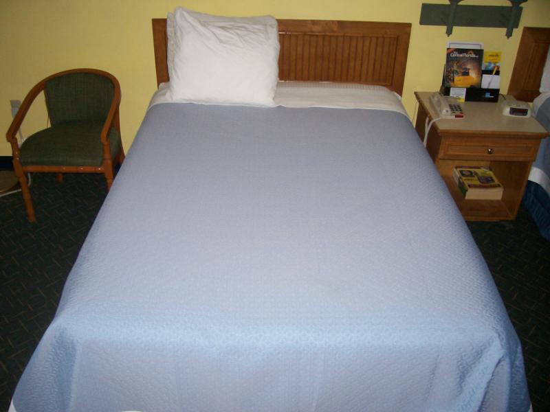 Days Inn & Suites By Wyndham Davenport