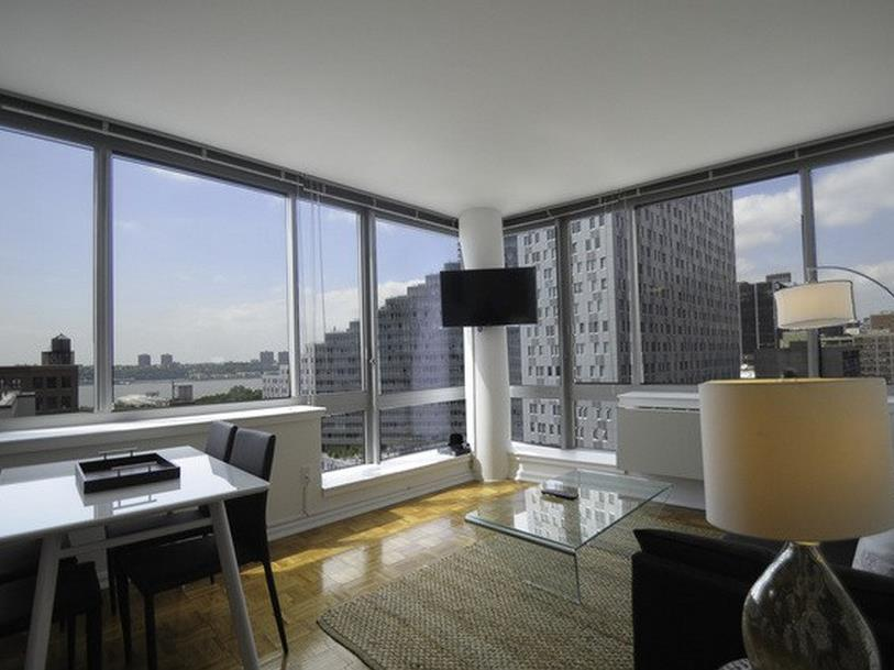 NY Away   Hells Kitchen   Times Square 1 Bedroom