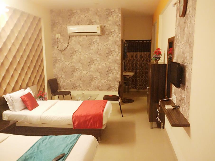Hotel Nilkanth PG Rooms