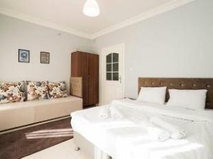 Amaros Apartments