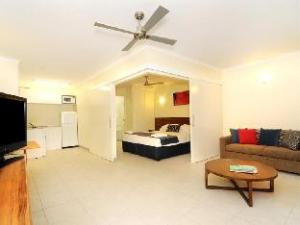 Про Cairns Queenslander Hotel & Apartments (Cairns Queenslander Hotel & Apartments)