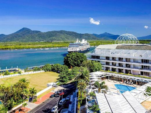 Pullman Reef Cairns Hotel Casino