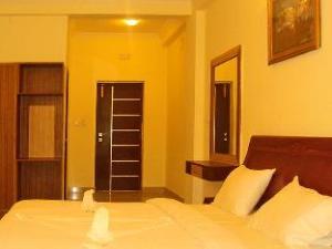 La Flora Hotel Hill Breeze Yelagiri