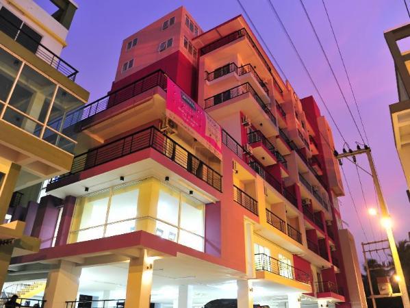 SMALLVILLE Nakhon Pathom