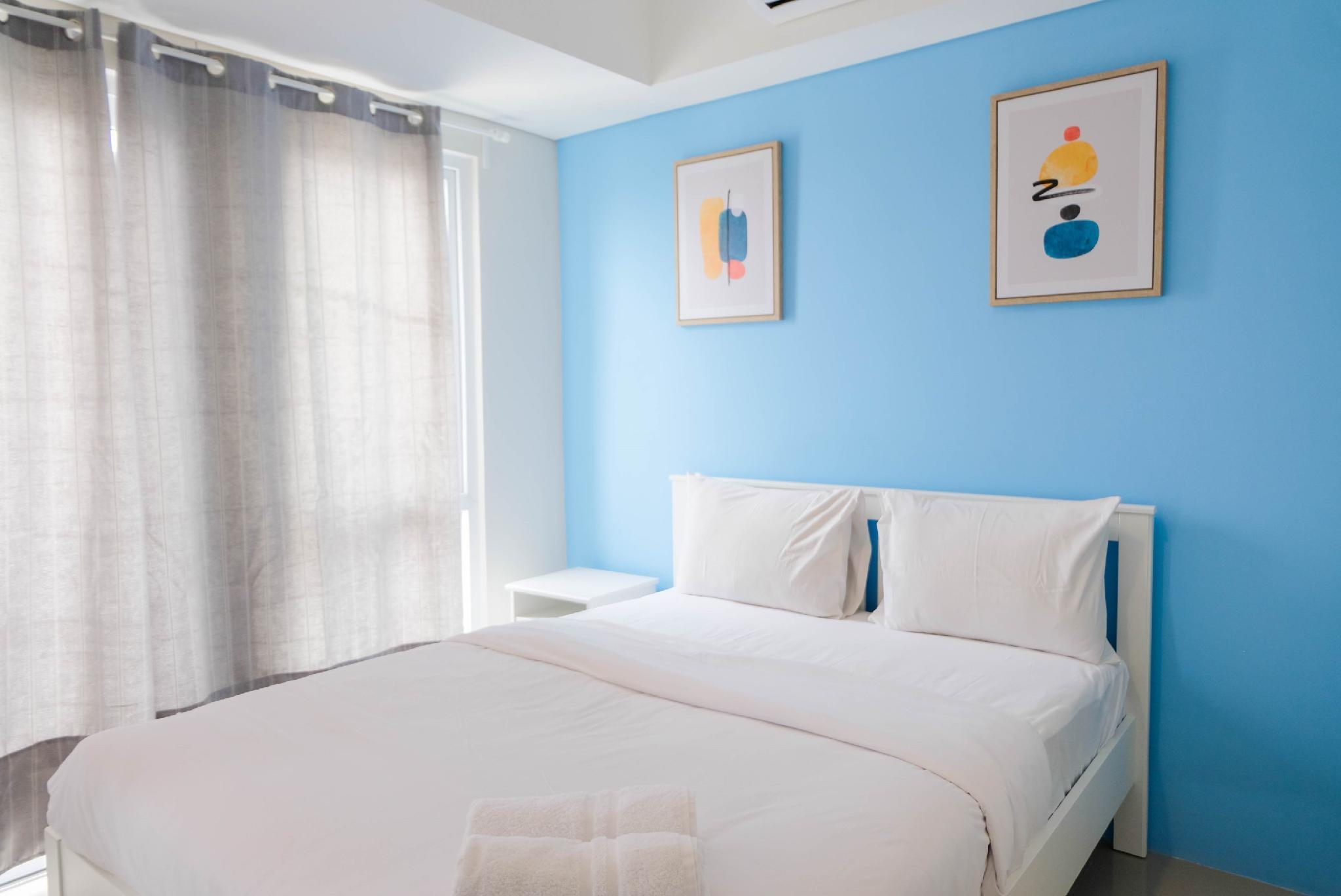 Minimalist 1BR Bintaro Plaza Apartment By Travelio