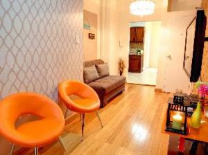 (Nice 2BR Times Square)