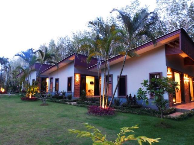 ภูเก็ต สิรินภา รีสอร์ท – Phuket Sirinapha Resort