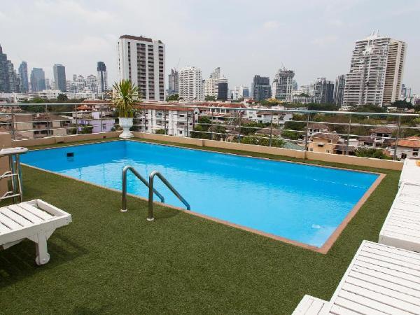 ZEN Rooms Ekkamai 10 Suites Bangkok