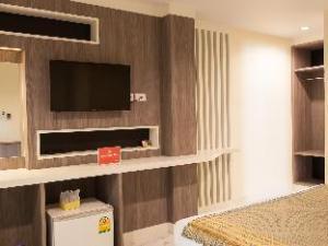 ZEN Rooms Samsen 3