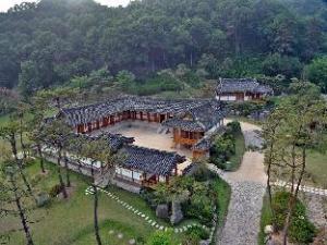 Royal Heritage Hotel -CHOSUN WANG GA