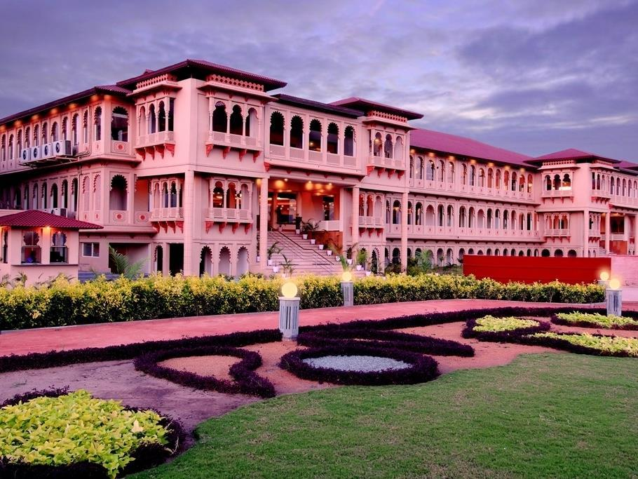 Holiday Village Resort And Spa