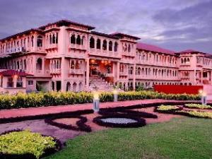 Holiday Village Resort & Spa