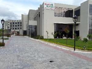 Maha Bodhi Hotel Resort & Convention Centre