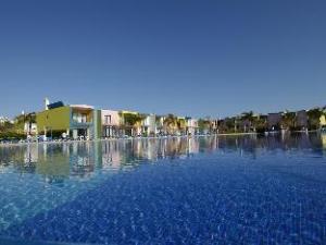 อพาร์ตเมนโทส ทูริสติโกส ดา โอราดา มาริน่า เดอ อัลบูเฟร่า (Apartamentos Turisticos da Orada Marina de Albufeira)