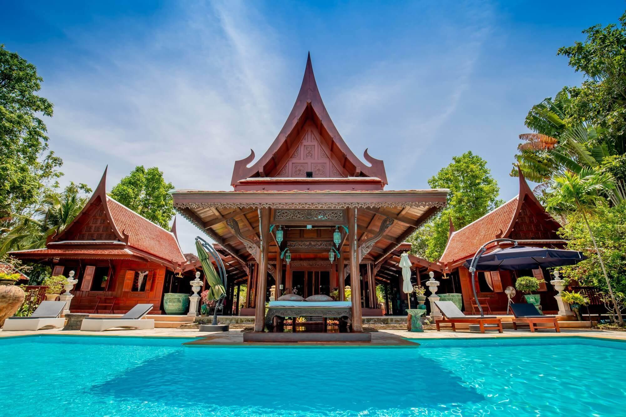Baan Sangpathum Villa บ้านแสงปทุม วิลลา