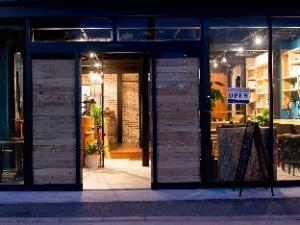TONAGI Hostel & Cafe