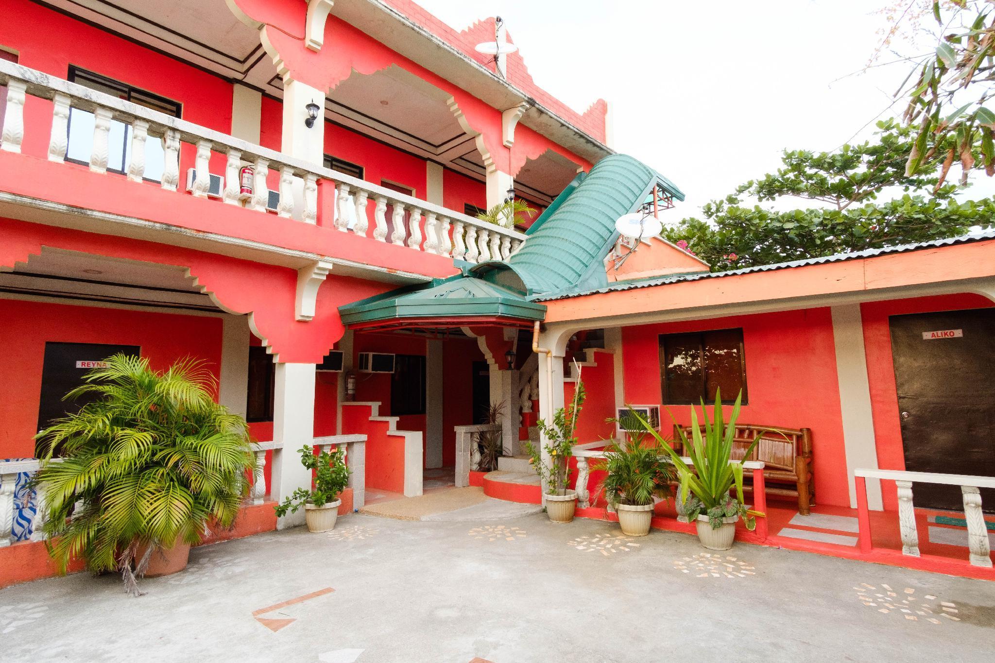 RedDoorz @ Mommy Linda Beach Resort Zambales