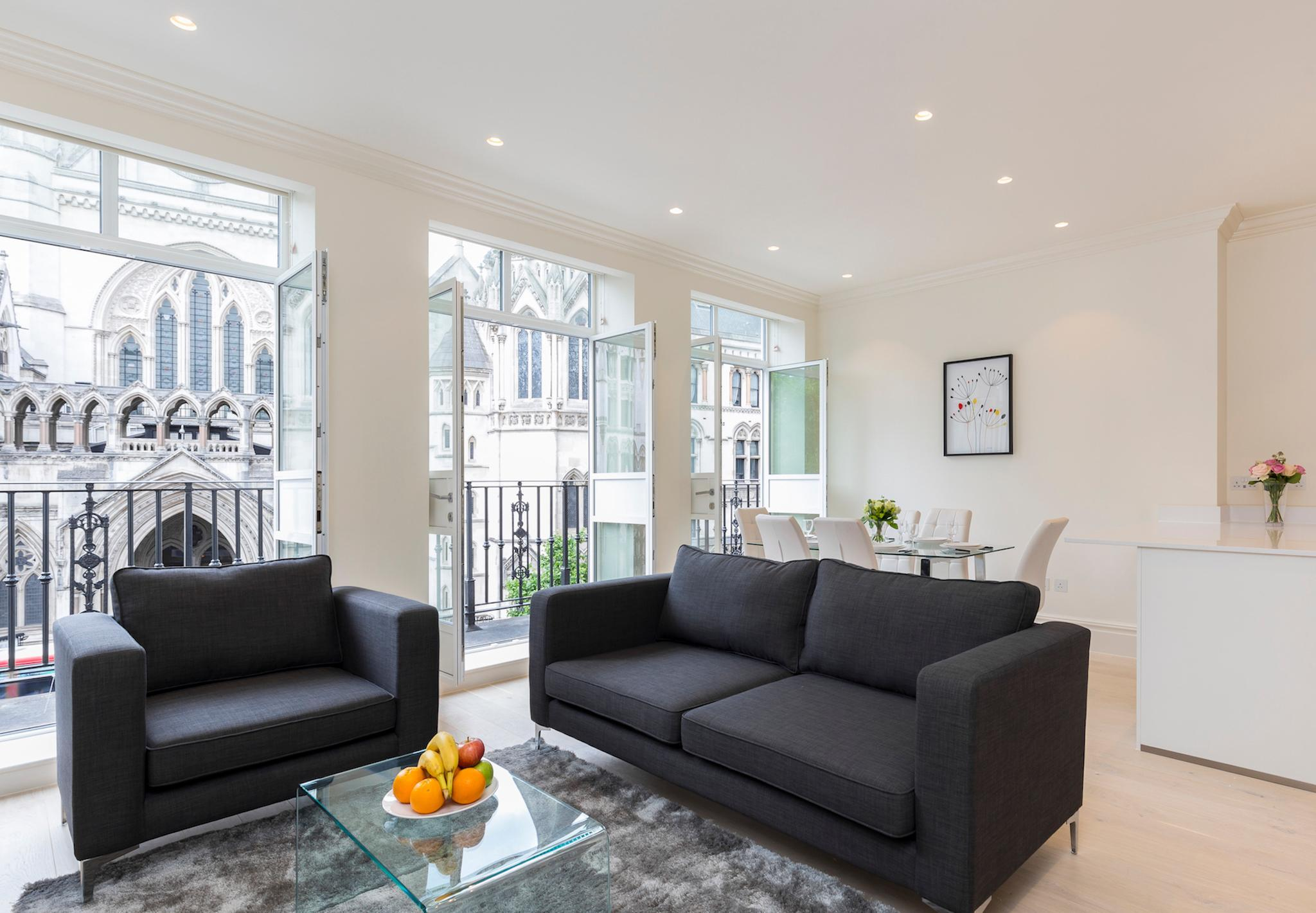 COVENT GARDEN 3BR WITH BALCONY -AMAZING CITY VIEW!