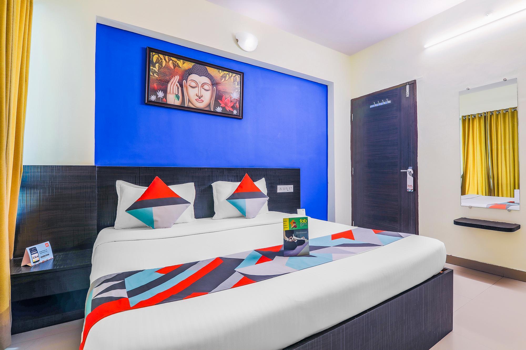 FabExpress Nalanda Service Apartment