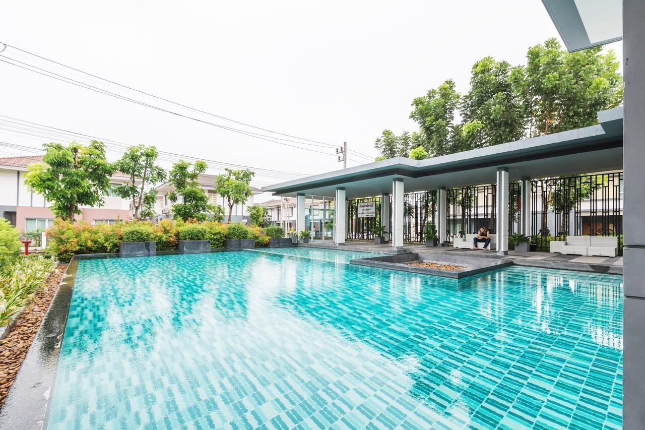 3BR Villa W/High Speed WIFI, Gym, Pool, Garden 120 บ้านเดี่ยว 3 ห้องนอน 2 ห้องน้ำส่วนตัว ขนาด 150 ตร.ม. – ป่าคลอก