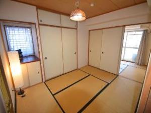 MI 3 Bedroom Apartment near Nipponbashi 502