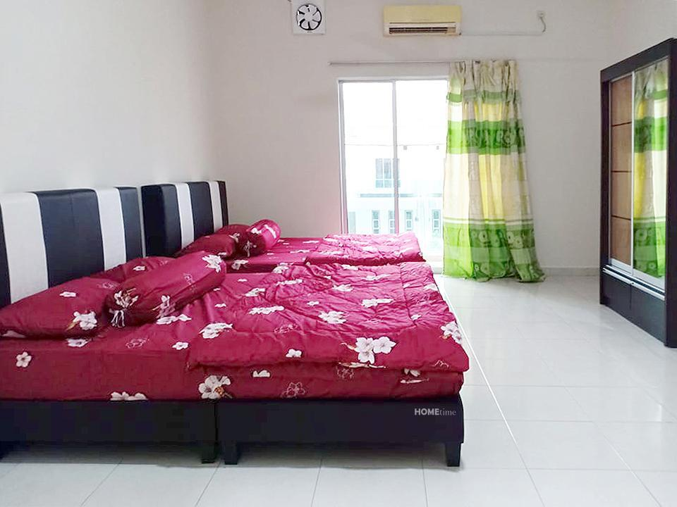 No 81 Private Room Twin Double Bed @4 Pax
