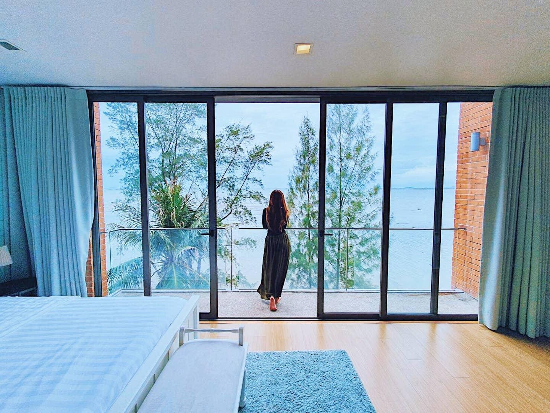 BLUE SEA BEACHFRONT POOL VILLA, North Pattaya. วิลลา 3 ห้องนอน 5 ห้องน้ำส่วนตัว ขนาด 80 ตร.ม. – บางละมุง