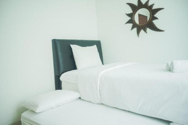 Minimalist and Comfy 1BR Roseville Apt By Travelio Tangerang