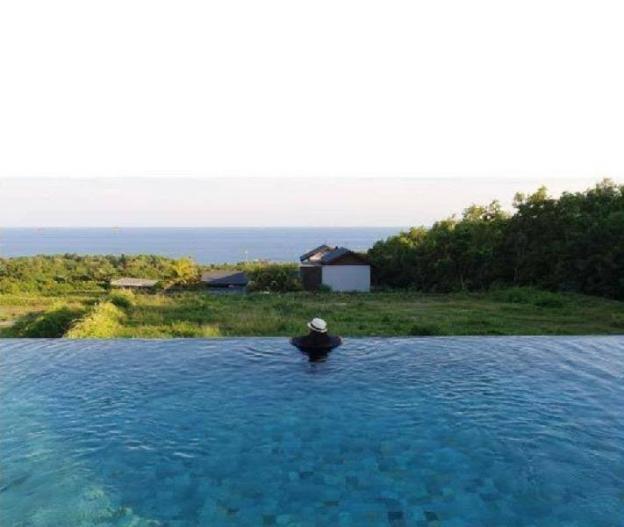 The Uluwatu Villa 2 Bedrooms Ocean View