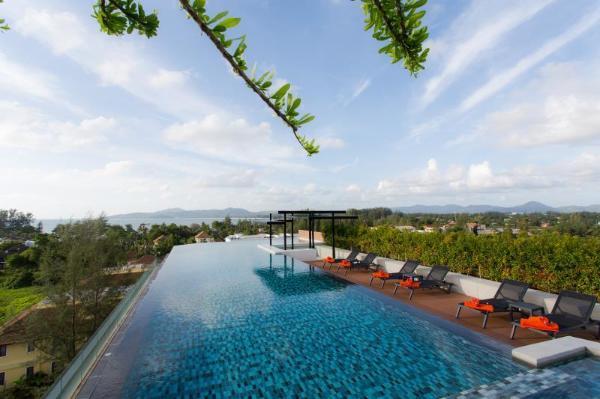 6th Avenue Surin Beach Phuket
